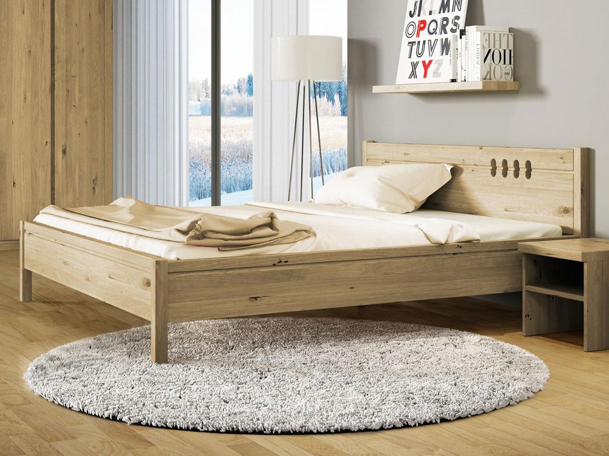 """Schlafzimmer mit Wildeichenbett """"Anna"""""""