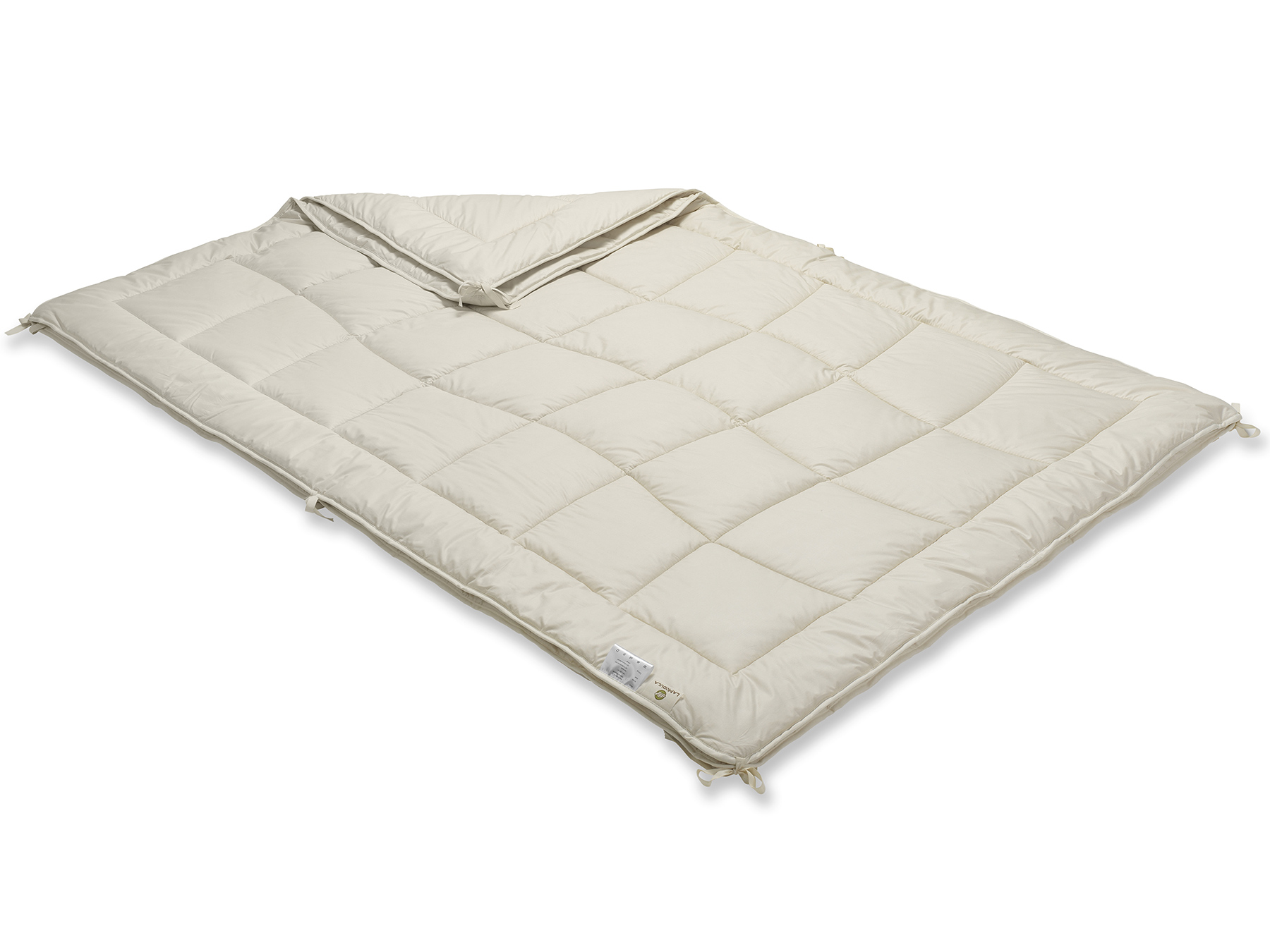 Mit praktischen Bändern werden die leichte und die Medium-Decke miteinander verknüpft.