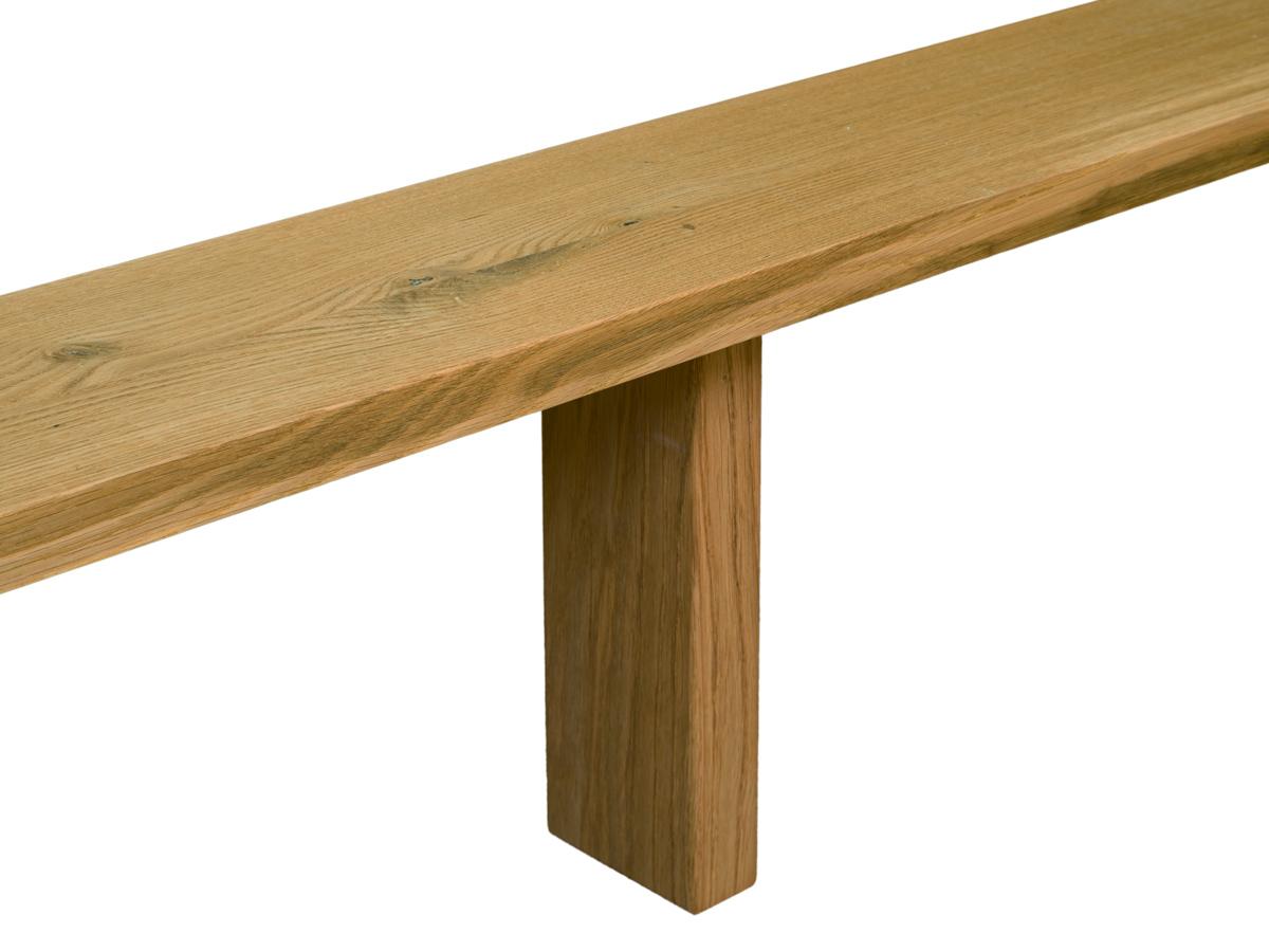 Eine von zwei Mittelstützen für mehr Stabilität (ab einer Bettbreite von 140 cm) - Symbolfoto in Eiche