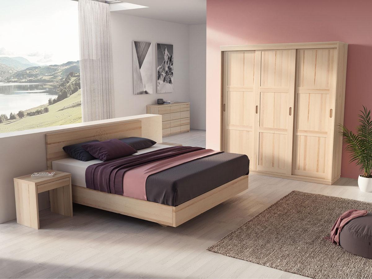 Schlafzimmer mit Schiebetürschrank in Esche