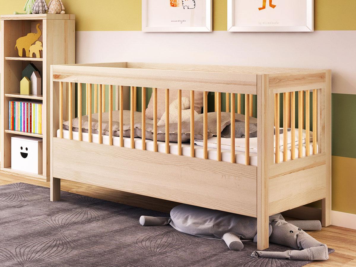 """Kinderzimmer mit Babybett """"Paula"""" 70 x 140 cm in Esche massiv"""
