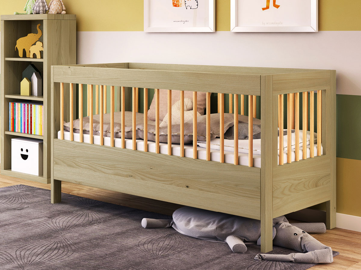 """Kinderzimmer mit Babybett """"Paula"""" 70 x 140 cm in Kastanie massiv"""