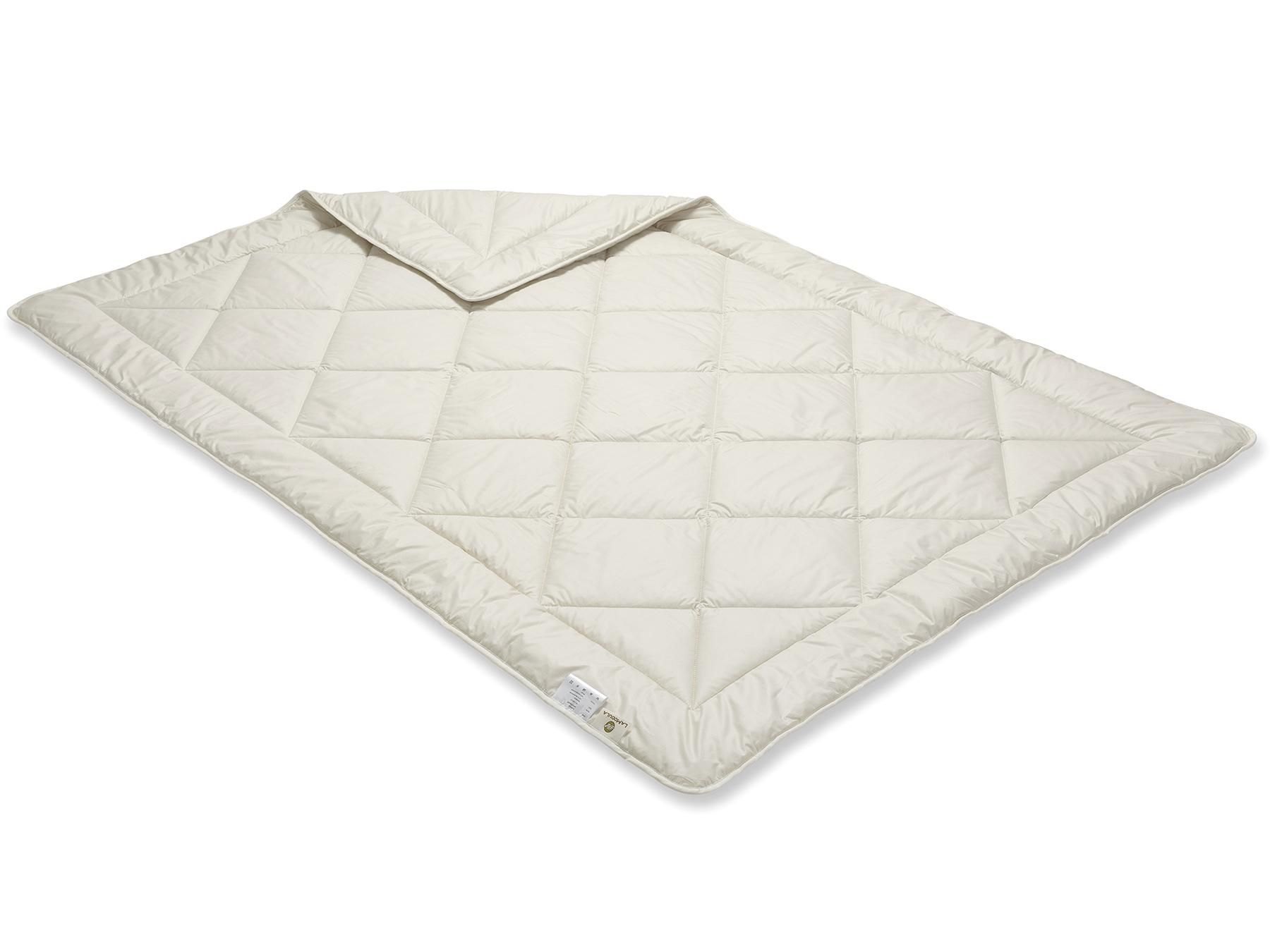 Das schöne Muster in der Steppung entsteht durch sorgfältige Herstellung mit der Einnadeltechnik.