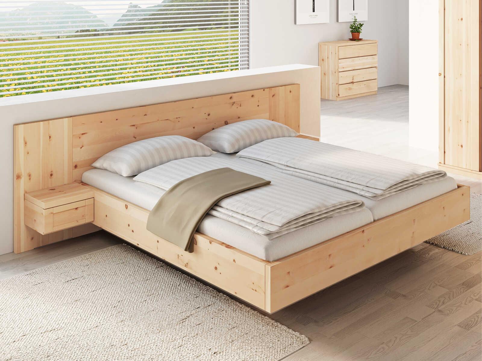 """Zirbenschlafzimmer mit Zirbenbett """"Susanne"""", mit zwei Nachtkästchen"""