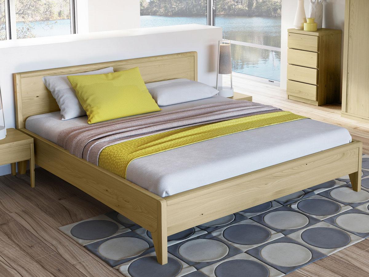 """Schlafzimmer mit Kastanienholzbett """"Tanja"""" 180 x 200 cm"""