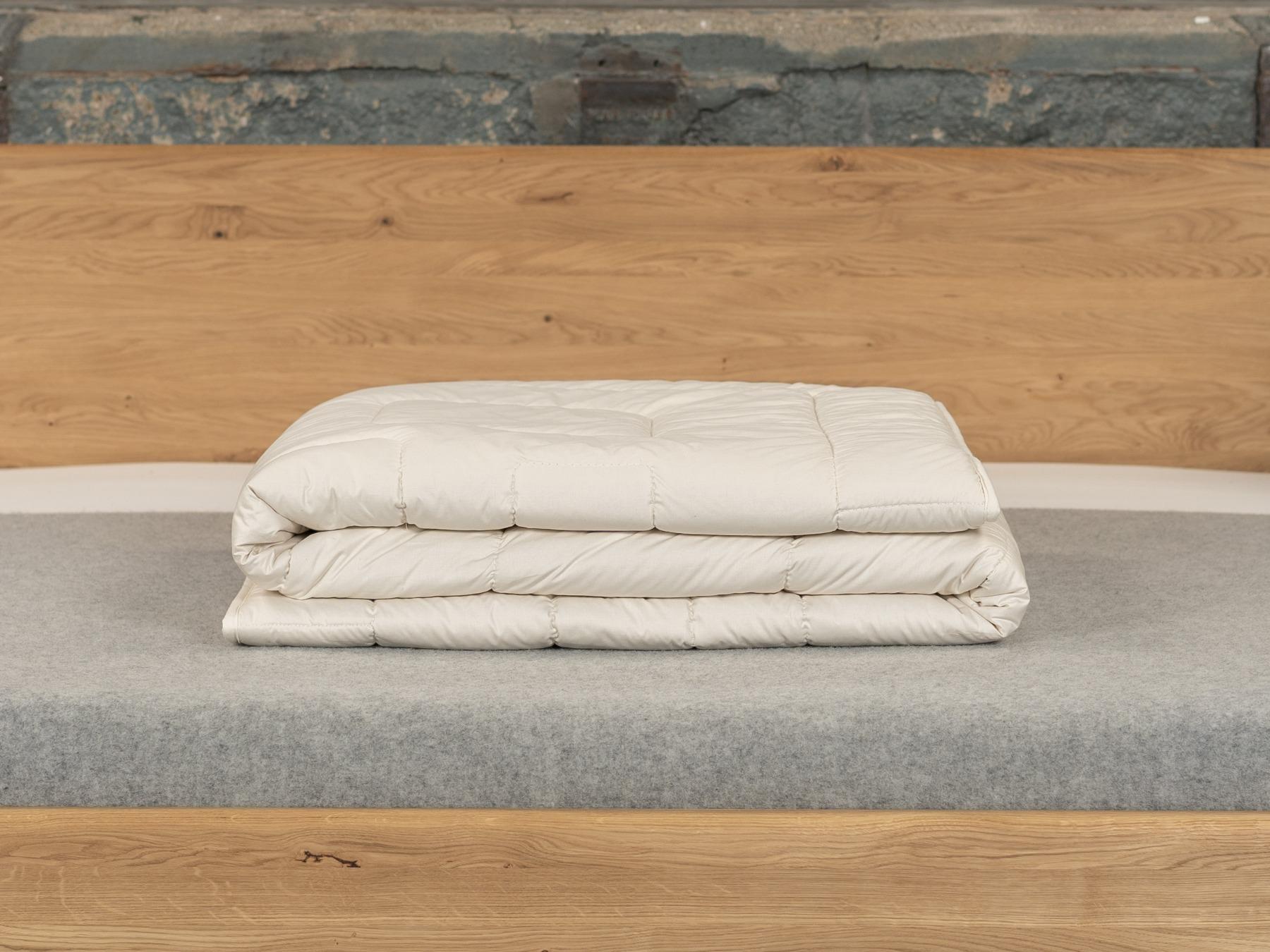 Die Winterbettdecke aus Wildseide schafft stets ein trockenes Bettklima.