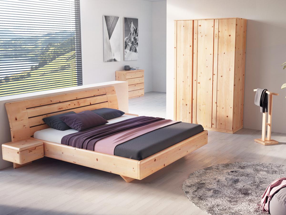 """Zirbenschlafzimmer mit Kleiderständer """"Johann"""""""
